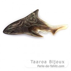 Tahitian Mother-of-Pearl Shark Pendant